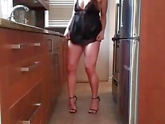 Milf in lingerie and heels dances and slutdrops