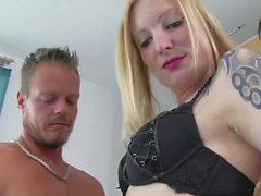 Reife Swinger - German amateur Georgina G rides cock while blowing another