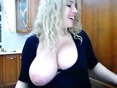 amateur megan fox21 flashing boobs on live webcam