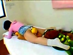 Webcam Girl Amateur Masturbation Pillow Humping