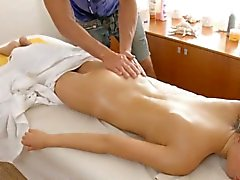 Agile masseur seduces floozy to bang her wet pussy