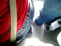 ENCOXADA 150 amazing chikan mature woman in bus PART 1