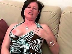 British mom loves getting finger fucked