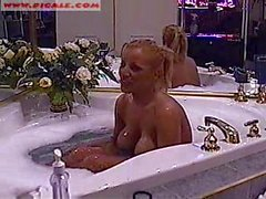 Sheena in bathtub on webcam