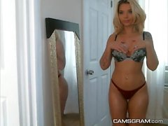 Magnificent Blonde Does A Sexy Camshow