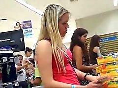 Upskirt Argentina: Whoa, I'll let da video speak for itself