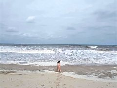 Amateur beach girl vibrator masturbation