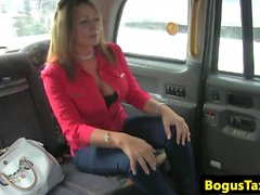 Bigtitted brit taxi passenger pussylicked