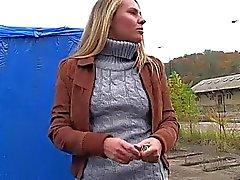 Amateur chick Zuzana pounded for money