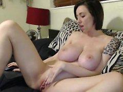 Big boobs MILF live on cam