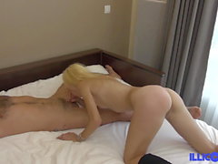 Isabelle pretty blonde who cheats on her husband