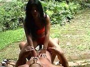 amateur ebony couple get crazy outdoor