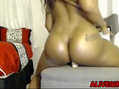 Ebony Quietstorm18 with a hot ass loves twerking