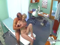 Fake Checz doctor fucking the blonde amateur