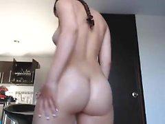 amateur luckyanabella flashing ass on live webcam