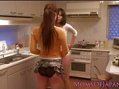 Asian amateurs enjoy lesbian fun