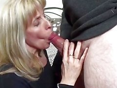 Young Pornhub Subscriber Gets Sucked & Fucked By A Mature Milf