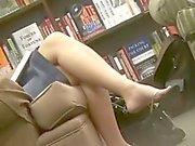 Candid MILF Feet & Legs Shoeplay Dangle Flip-Flops