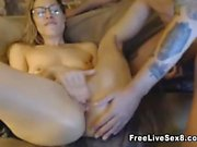 Blonde amateur slut fingering