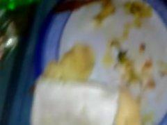 Deliciosos seios de nossa amiga gordinha peluda deitada