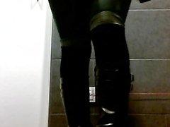 Geisha balls and green pantyhose - low resolution