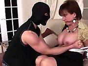 Lady Sonia masturbating