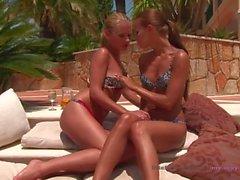 my-sexy-place - Lesbische Stiefschwestern - Outdoor