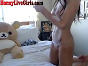 Cute Teen Chatting Naked On Webcam
