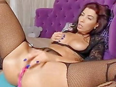 Secy babe big natural boobs fingering pussy squirting juce