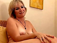 Realy sexy mature Stefanie from 1fuckdatecom