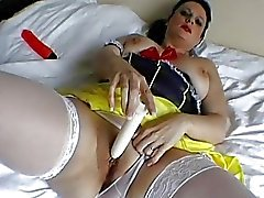 Classy English MILF toys her used wet pussy