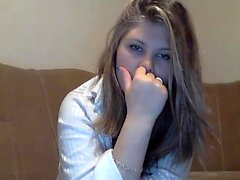Amateur blonde masturbates on webcam