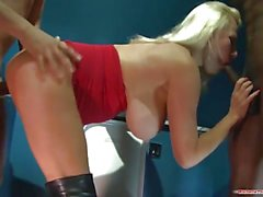 Blonde Michelle Thorne enjoys threesome