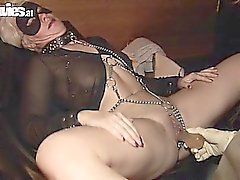 Blonde babe gets her pussy dildoed by a kinky girl
