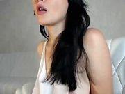 babe zyana fingering herself on live webcam