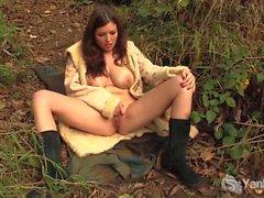 Yanks Babe Amber Alias Orgasms Outdoors