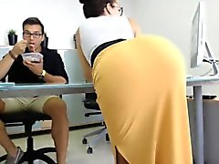 Enchanting brunette with a heavenly ass delivers a wonderfu