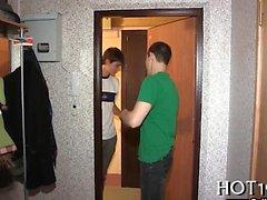 Avid dude sells his teen gf to one stranger