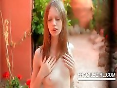 Teen siren Gloria pleasing her small quim outdoor