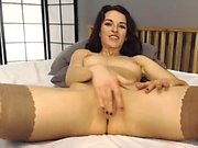 Webcam chubby milf fingering live on the internet