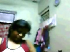 Muscular Hyderabadi Girl Riya Showing Her Tits on Cam