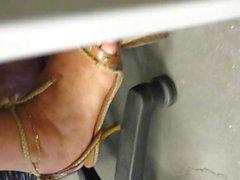 pieds de Claudine en talons