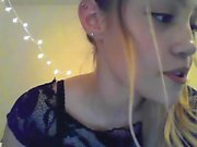 babe sleazylittlemeemee fingering herself on live webcam