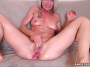 Hot Sexy Mature Whore Plays For You