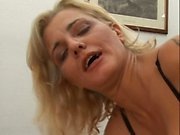 Amateur girlfriend in stockings rough anal bang
