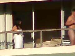 sexo en el balcon