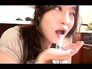 Amateur Japanese teen gives blowjob