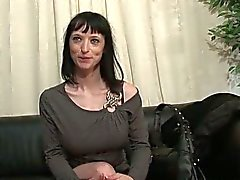Mature amateur's threesome from france