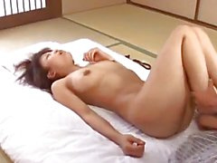 Asian amateur screams while having her bush nailed