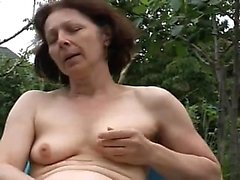Mature mama jetting Izetta from dates25com